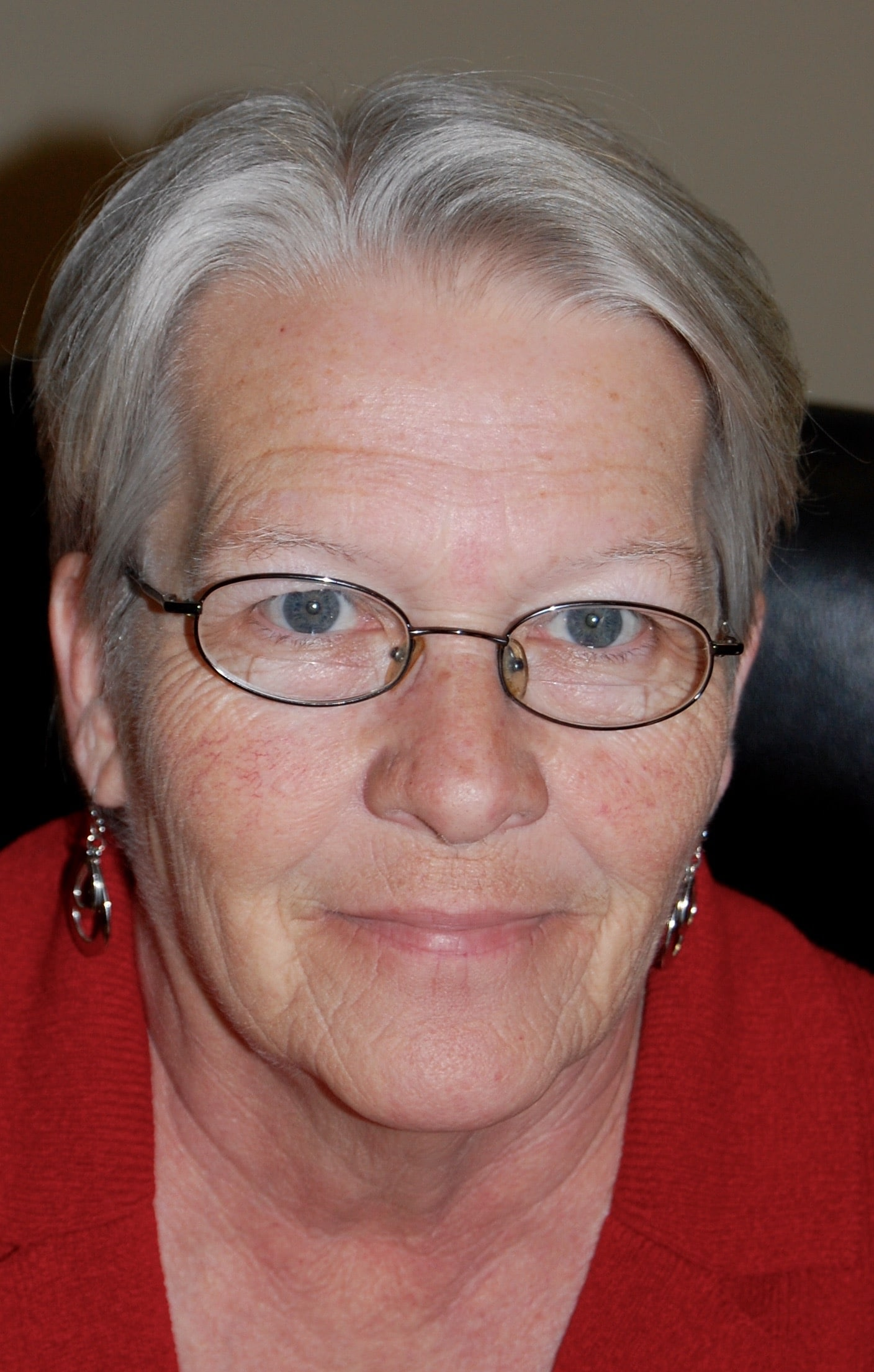 Jeanne DeWeese : Office manager