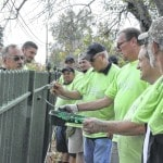 Delaware workers lend a helping hand at cemetery