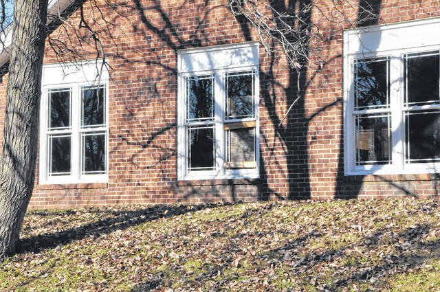 Vandals broke 23 windows over Thanksgiving weekend at the Turning Point domestic violence shelter location at 500 North Liberty Street in Delaware. Police are investigating the incident, but have no suspects at this time. The shelter is scheduled to open in 2018.