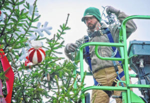 Home for the Holidays: Main Street Delaware gears up for Christmas
