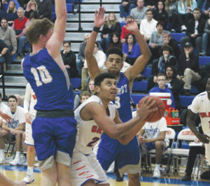 Pioneers hold off Patriots 71-65
