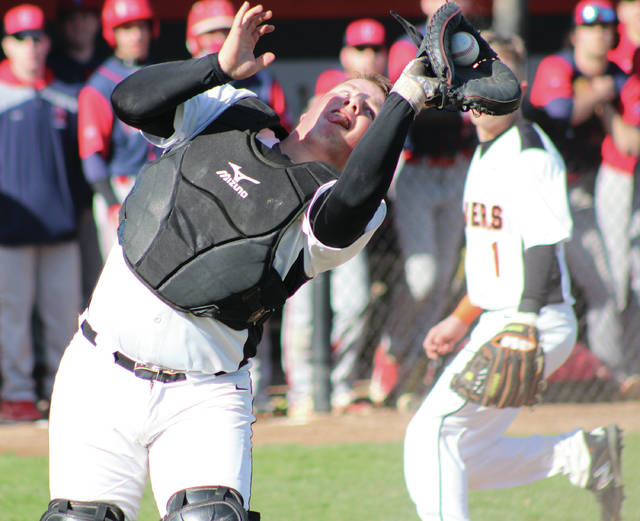 Hayes catcher Alex Kelly finished with two hits and two RBI as the Pacers knocked off visiting Marion Harding 5-1 in the first round of the Division I district tourney Monday in Delaware.