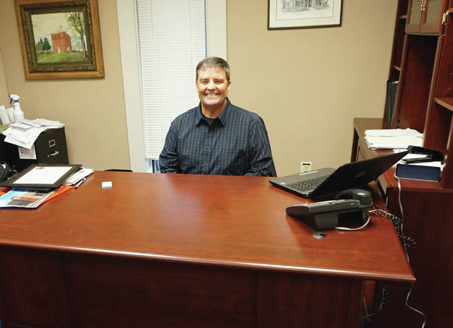 Sunbury Mayor Tommy Hatfield at his desk.